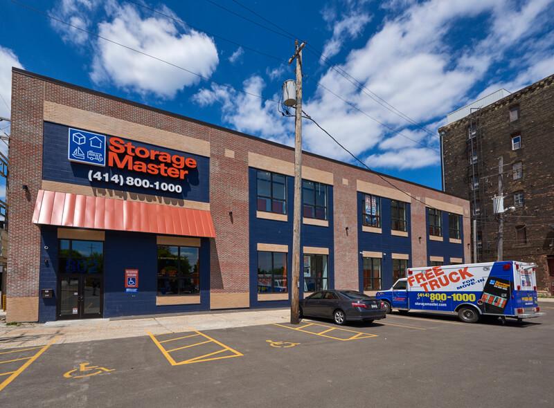 Self Storage Facility Milwaukee Wi 53207 Storage Master